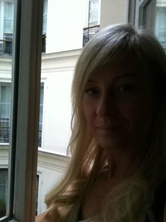 Hotel Keppler: window onto courtyard in room - raining!