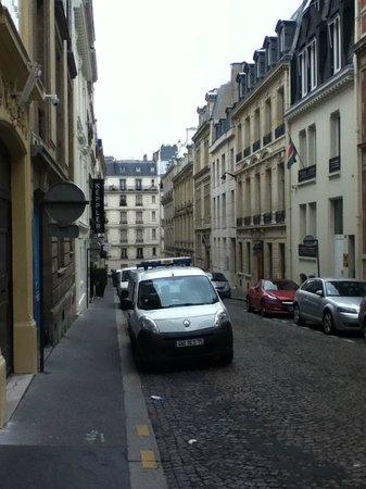Hotel Keppler: view from hotel door onto street