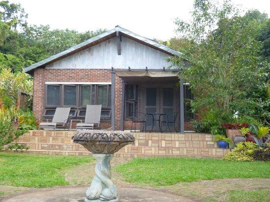 Rainforest Inn: Front of the Villa