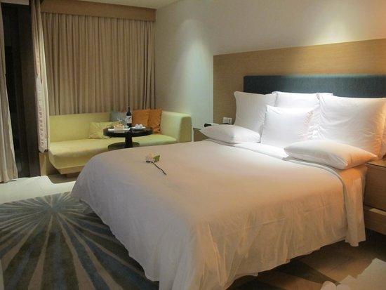 Renaissance Phuket Resort & Spa: Huge comfy bed