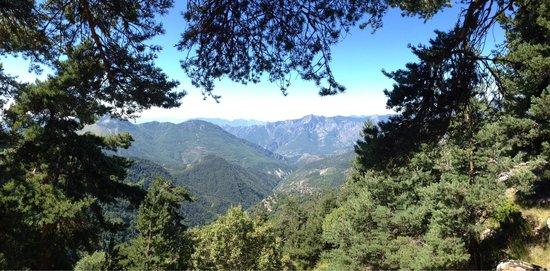 Luceram, Frankreich: Panorama pendant le parcours aventure