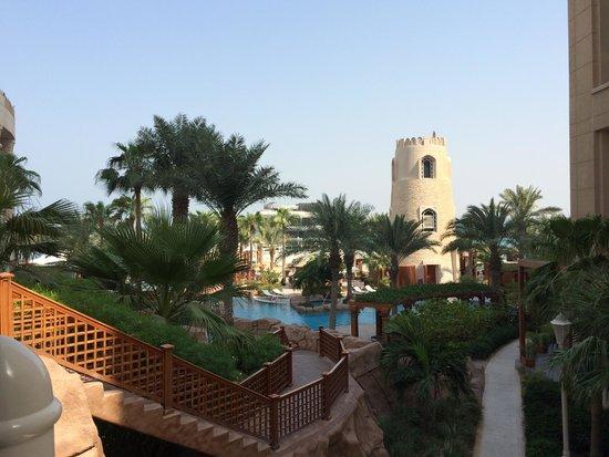 Four Seasons Hotel Doha: Pool/Beach area
