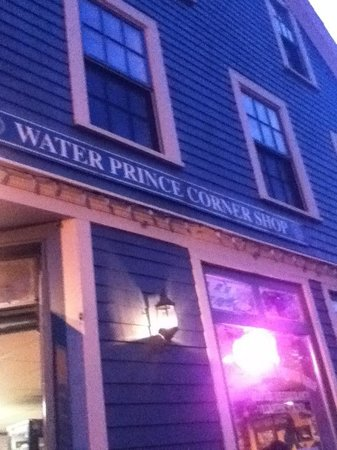 Water Prince Corner Shop and Lobster Pound : Best sea food resturant in P.E.I