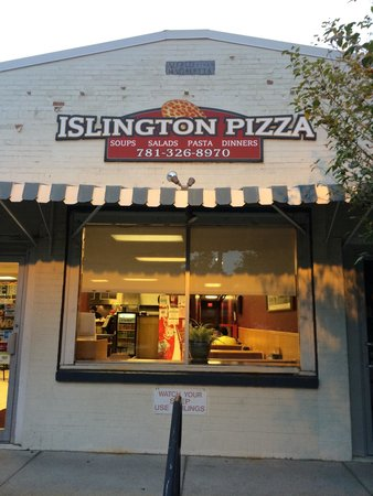 Islington Pizza and Sub Shop : Front of the building
