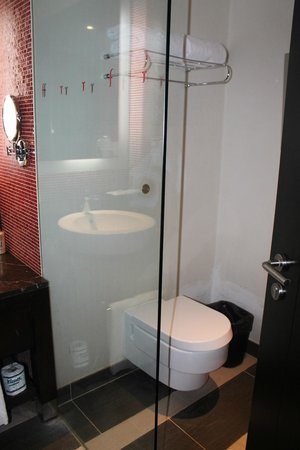 Resorts World Sentosa - Festive Hotel: salle de bain