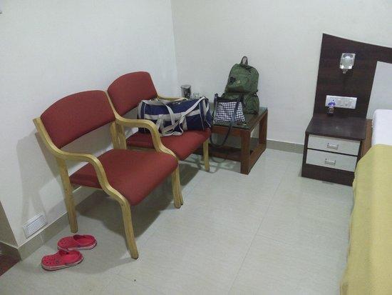 Hotel Saish International: Chairs