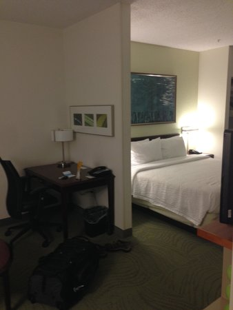 SpringHill Suites Danbury: Another angle of the suite