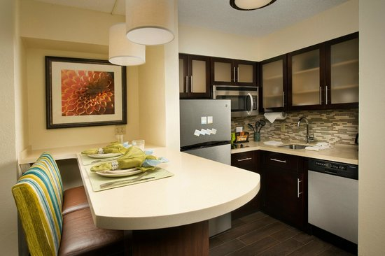 Staybridge Suites Miami Doral Area: You can cook all your meals in the fully-equipped kitchen