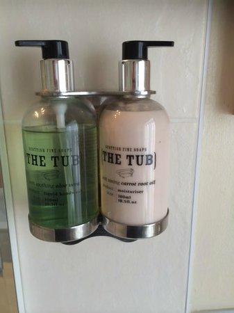 Blyth Hotel: Lovely 'The Tub' toiletries