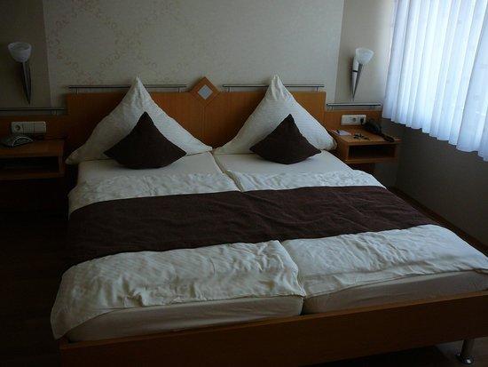 Haus Weiskopf - Hotel Garni: kamer op het gelijkvloers