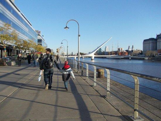 Puerto Madero: eu e o filhao passeando