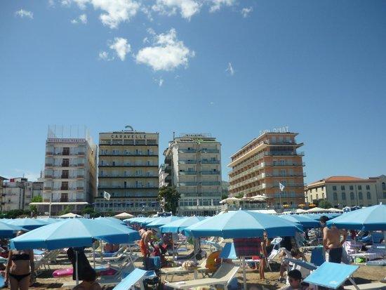 Hotel Negresco: dalla spiaggia