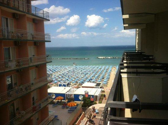 Hotel Negresco: Vista dal balcone