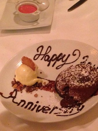 Ario Restaurant: Chocolate Molten
