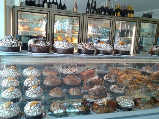Giovanni Spinelli Cafe' Restaurante: Expositor