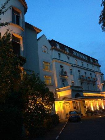 Ringhotel Rheinhotel Dreesen: Vue de l'entrée de l'hôtel