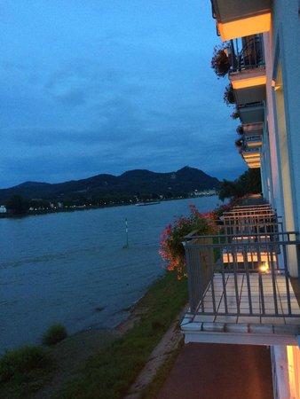 Ringhotel Rheinhotel Dreesen: vue du balcon de la chambre
