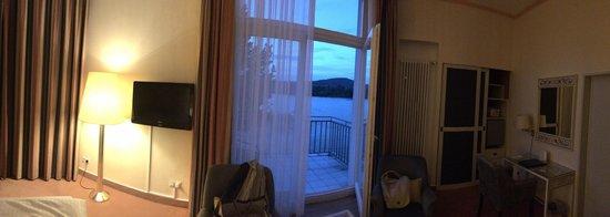 Ringhotel Rheinhotel Dreesen: panoramique de la chambre