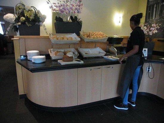Bastion Hotel Amsterdam Amstel: Buffet petit déjeuner 1