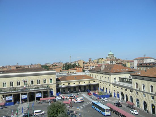 Mercure Bologna Centro : view from the street facing room