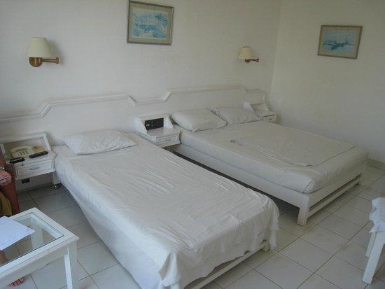 The Grand Hotel Hurghada: Кровати номера