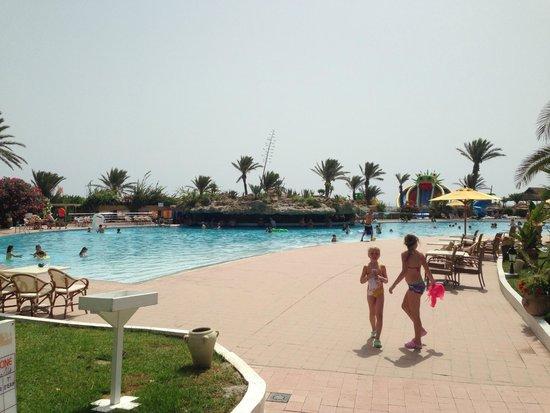 lti Mahdia Beach Hotel : Piscina esterna