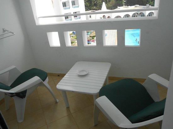 Hotel Menara: petit balcon de la chambre