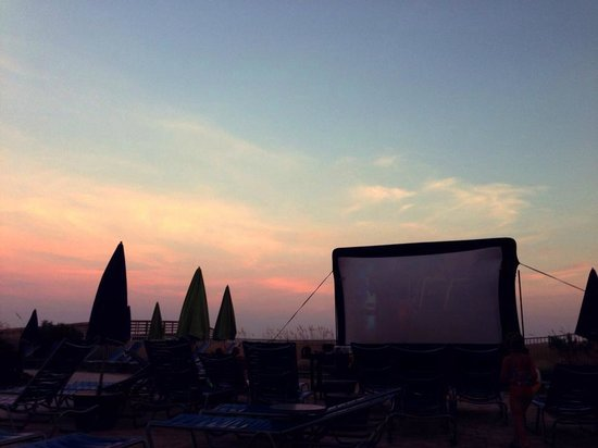Holiday Inn Resort Pensacola Beach: Dive-in Movies for the kids