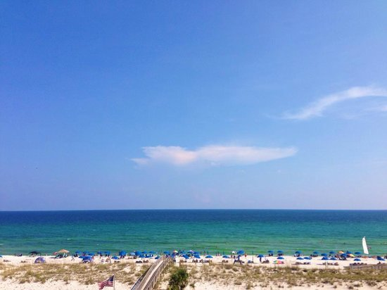 Holiday Inn Resort Pensacola Beach: Another beautiful day on the gulf.