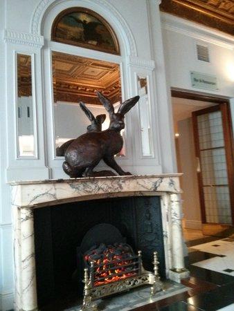 Radisson Blu Edwardian Vanderbilt: Hotel lobby
