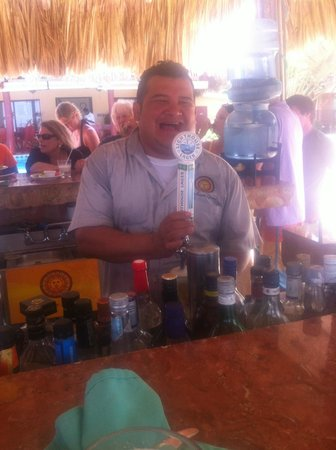 Caribbean Shores Bed & Breakfast: Jose! If he is around, then it is Party-On!