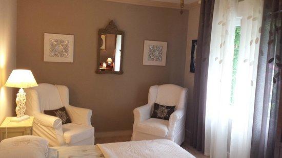 La Villa les Hortensias : camera due letti della suite