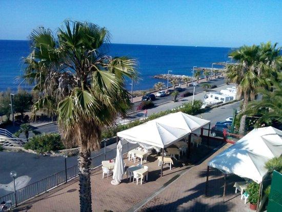 Il giardino sul mare foto di albergo lucciola santo - Il giardino sul mare ...