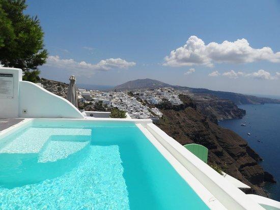 Dreams Luxury Suites: View of Firostefani