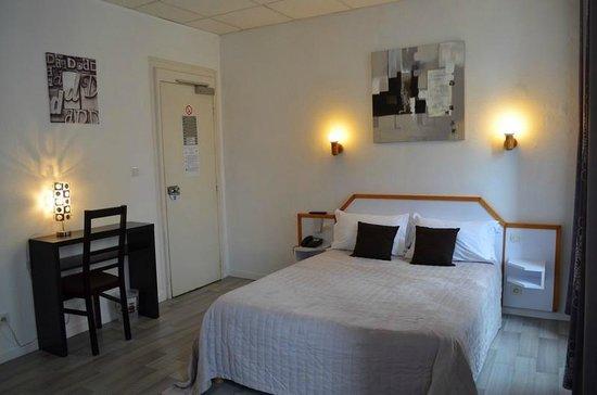 Hotel De La Croix De Malte, Hotels in Siouville-Hague