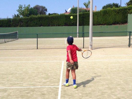 Insotel Punta Prima Resort & Spa: 6 Pistas de Tenis y material a total disposición