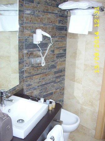 Hotel Codina: salle d'eau