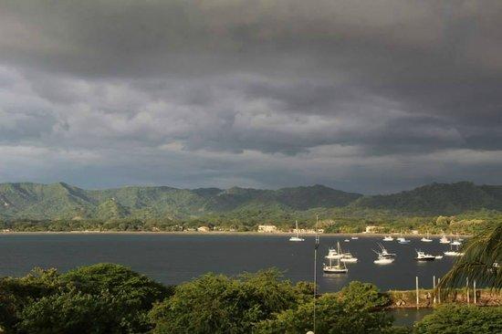 Flamingo Marina Resort: Amazing Stormy view from the room