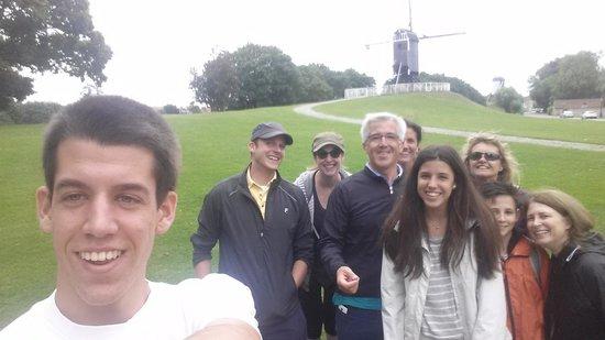 The Pink Bear Bicycle Company : un selfie con los compañeros de excursion