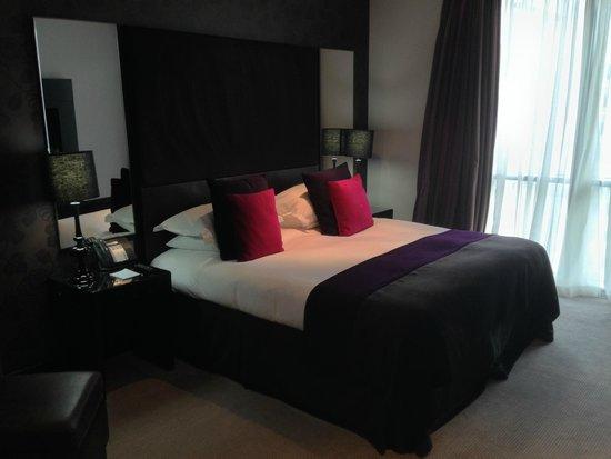 Malmaison Birmingham: lovely comfortable bed