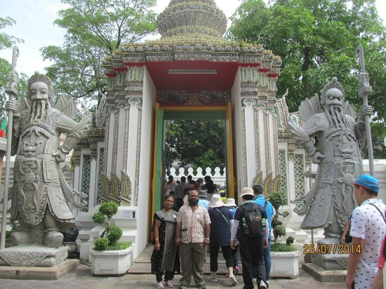 Temple du Bouddha Couché (Wat Pho) : Gate of the Temple