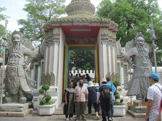 Wat Pho (Tempel des liegenden Buddha): Gate of the Temple