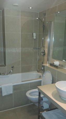 Holiday Inn Sheffield: Fantastic bathroom