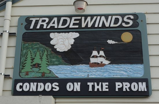 The Tradewinds Condo / Hotel: Tradewinds