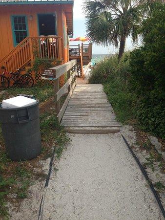 Hampton Inn & Suites Destin: Beach access