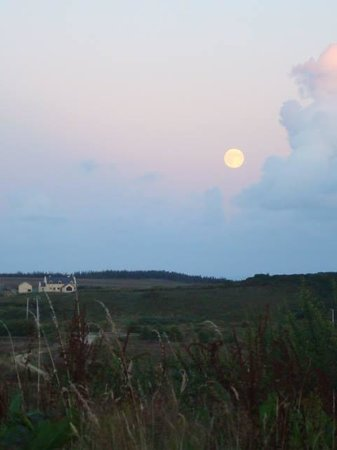 Harvest moon at Cnoc Suain