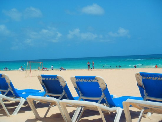 Hard Rock Hotel & Casino Punta Cana: Clear blue water and skies and white sandy beach