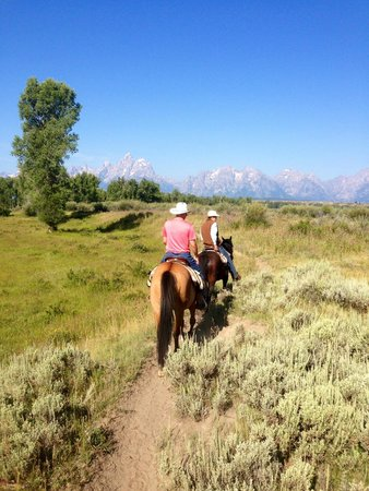 Moose Head Ranch: Riding with a view of the Tetons