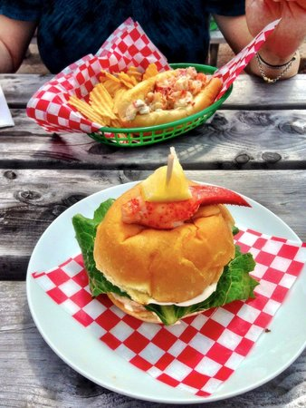JMK Fish Mart: Lobster on a roll
