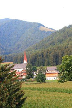 Hotel Brunnerhof: Panorama dalla camera verso Rasun di sotto